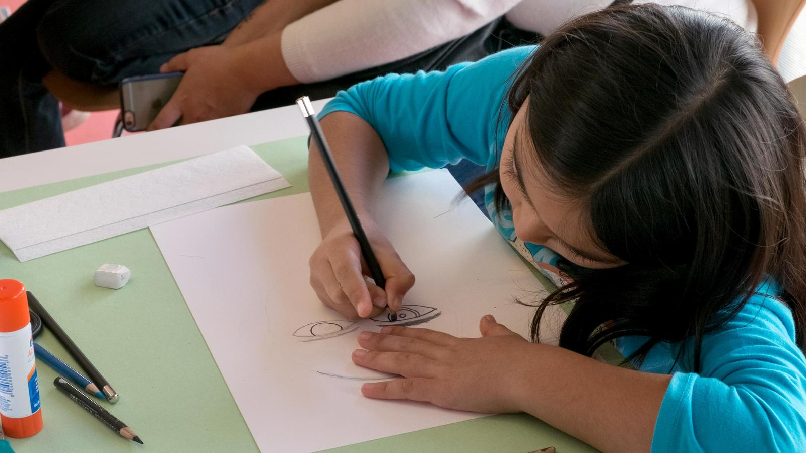 Header: Kid Drawing