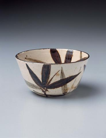 Bowl with Bamboo Leaf Design