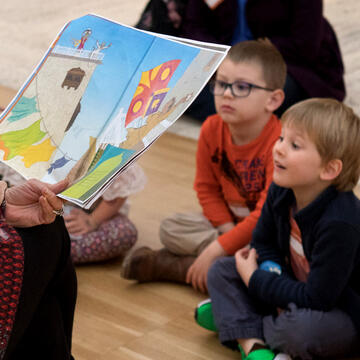 Kids Group Reading